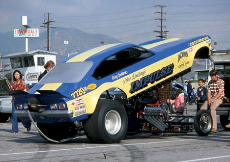 Funny Cars Round